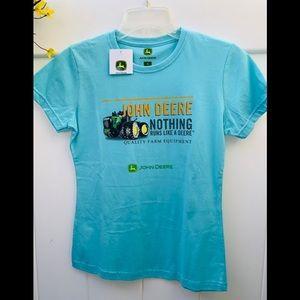 John Deere size small NWT T-shirt